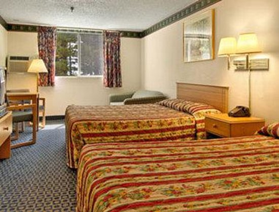 Travelodge Mammoth Lakes: Standard Two Queen Bed Room