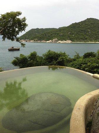 Six Senses Ninh Van Bay: private pool and view