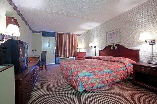 Americas Best Value inn : One King Room2