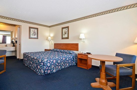 Americas Best Value Inn : One King Bed