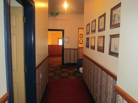 Shepherds Arms Hotel : Beautiful and rustic hallway