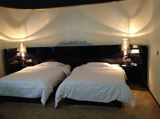 Sapphire Hotel: room 6402