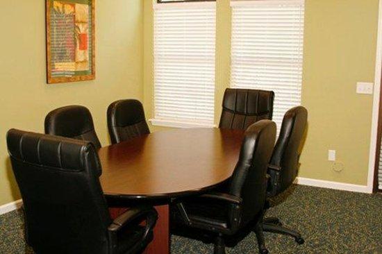 Mariners Suites: Meeting Room