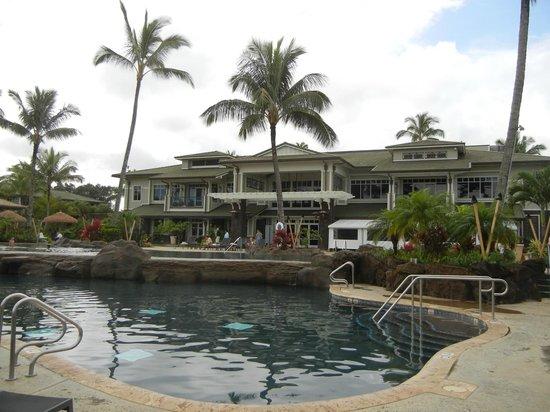 Westin Princeville Ocean Resort Villas: Main pool, reception clubhouse and restaurant