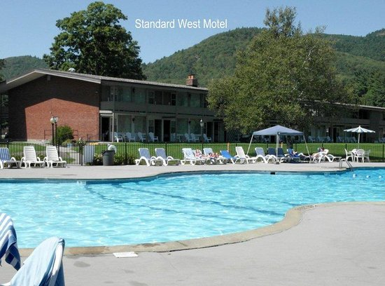 Fort William Henry Hotel and Conference Center: Standard West Motel With Pool