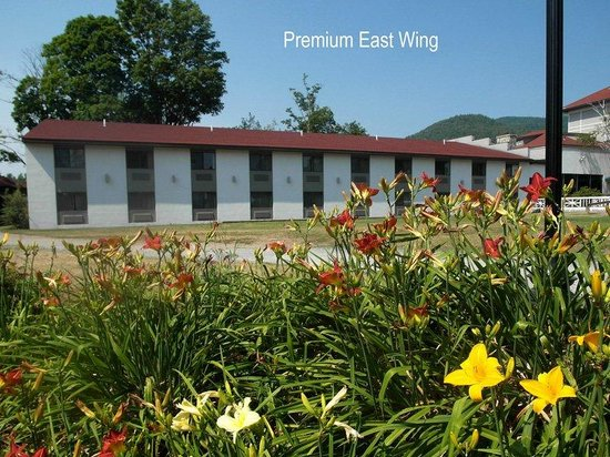 Fort William Henry Hotel and Conference Center: Premium East Wing