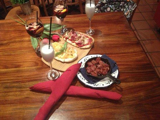Pizzeria Amici: bruschette and chorizo