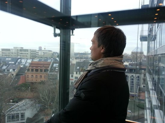 Pullman Köln: лифт