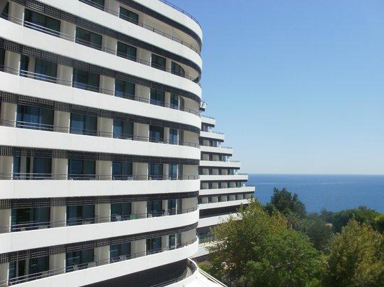 Rixos Downtown Antalya : вид с балкона, если посмотреть на лево