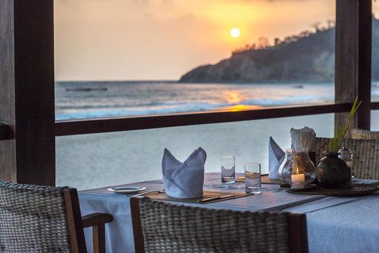 Bayview - the beach resort: Dinner on our sunset bar