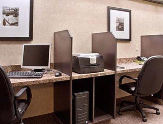 Ramada Stettler: Business Centre