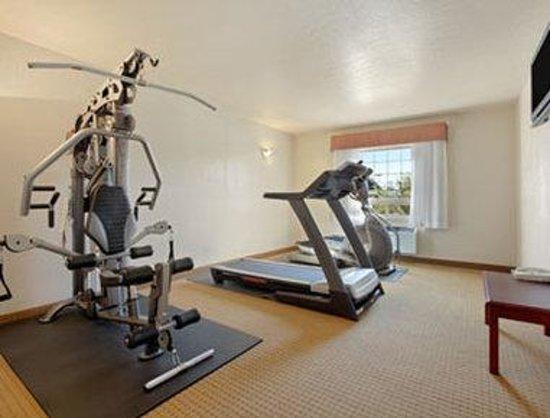 Ramada Lloydminster: Fitness Center