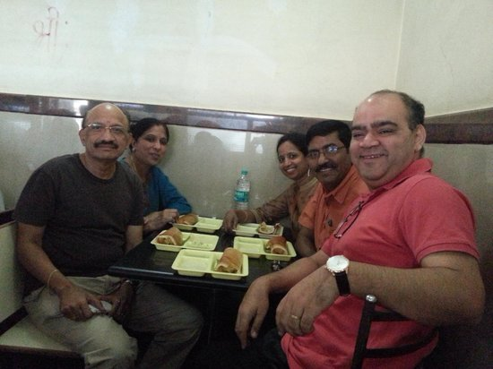 Shri Sagar (C.T.R) : CTR Dosas and Happy Faces :-)