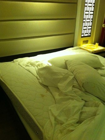 Hotel City Star: Three bed sheet changes