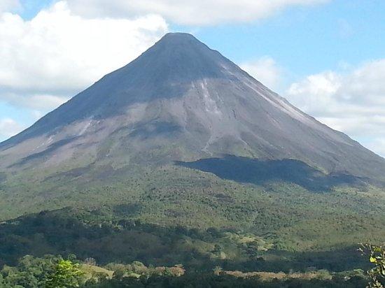 Nayara Resort Spa & Gardens: View of  Arenal Volcano