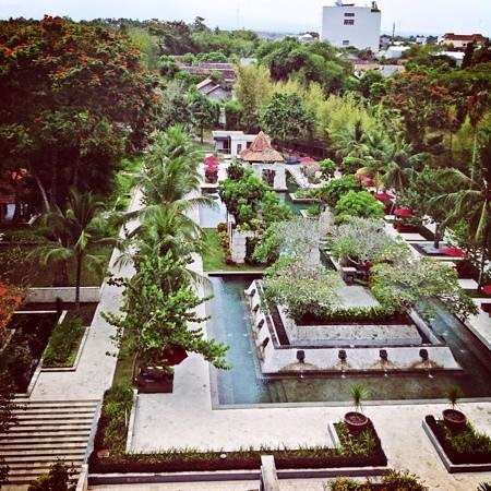 Sheraton Mustika Yogyakarta Resort and Spa: magnificent pool