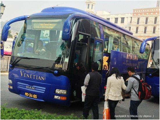 Ole London Hotel: We take Shuttle bus from Venetian