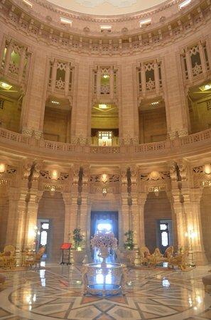 Umaid Bhawan Palace Jodhpur: The central hall