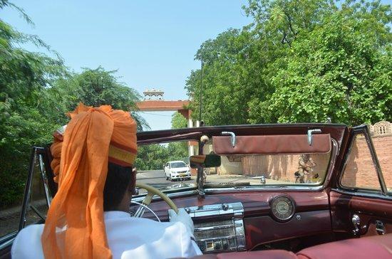 Umaid Bhawan Palace Jodhpur: Vintage car ride to airport