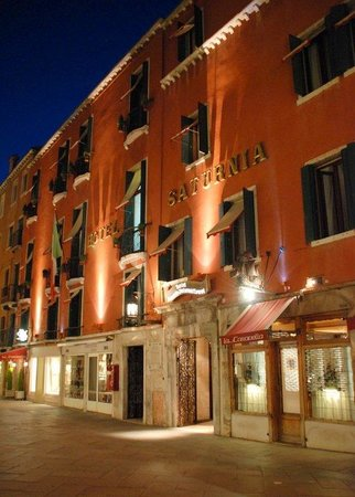 Hotel Saturnia & International: Facciata - Facade