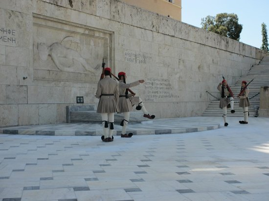 Hellenic Parliament : Changing of the guard