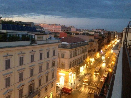 Hotel Esposizione Roma: vista Via Nazionale