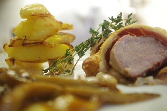 Nestelbach im Ilztal, Österreich: Filetto di maiele in crosta - Sweinefilet in Blätterteigkruste