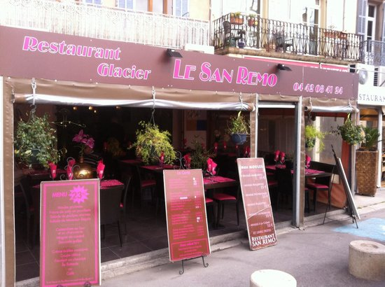 Restaurant le san remo sur le port de la ciotat photo de san remo la ciotat tripadvisor - Restaurant port la ciotat ...