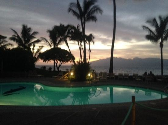 Napili Shores: lower pool at sunset with Molokai in the background