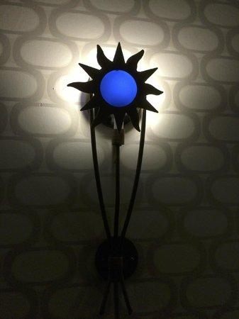 Argonaut Hotel, A Noble House Hotel: 房間門口的照明燈