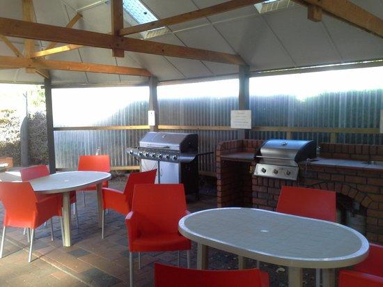 Taupo DeBretts Spa Resort: BBQ area, x3!