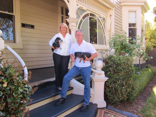 Kurrajong House: The Owners Front Porch