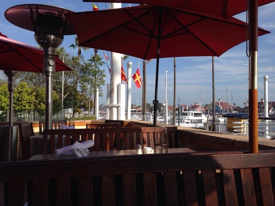 Gladstone S Long Beach Outdoor Seating