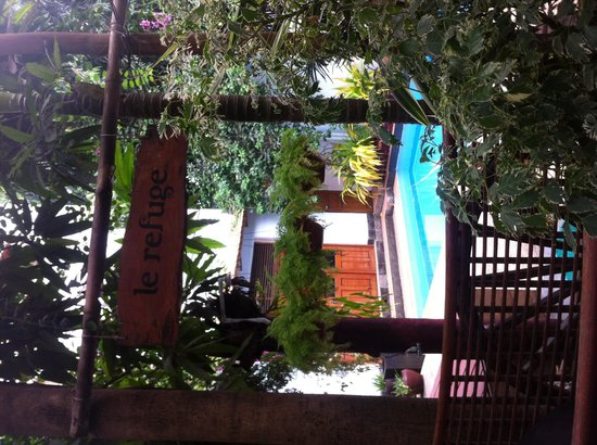 You Khin House : Beautiful courtyard