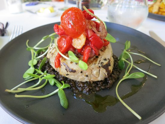 Reuben's: Rare Cooked Tuna with Lentils