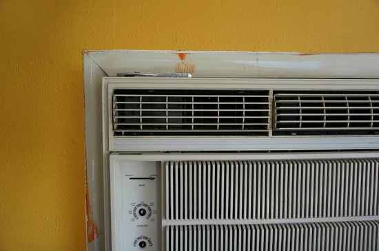 ZenYard Guest House : You will find the pliers on top of the AC unit