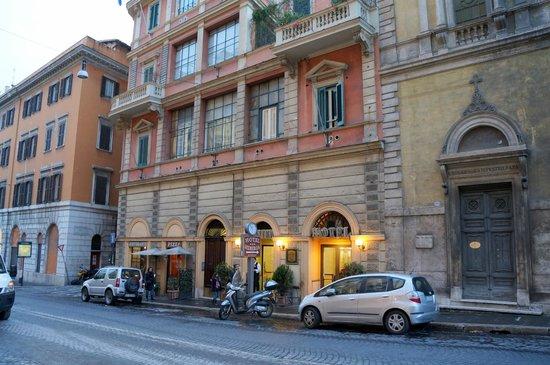 Hotel Hiberia: Façade de l'hôtel