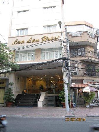 Lan Lan Hotel 1: Street view
