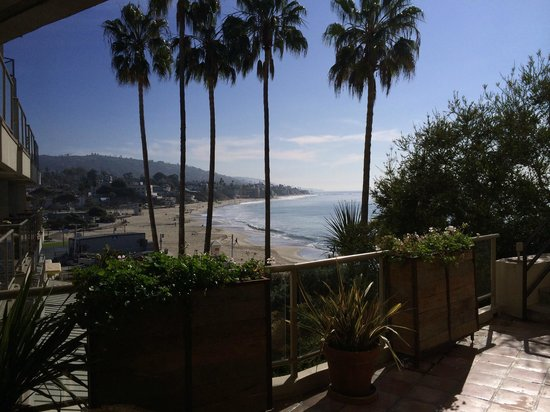 The Inn At Laguna Beach : outside lobby