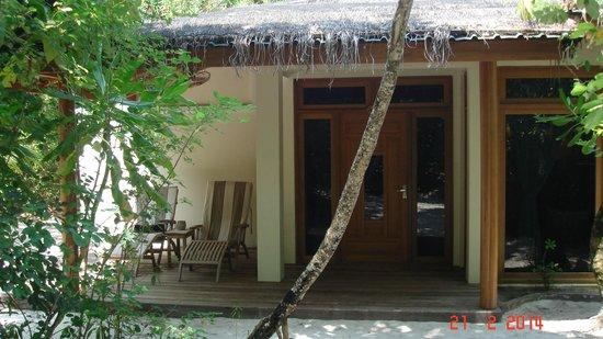 Reethi Beach Resort: Our front door