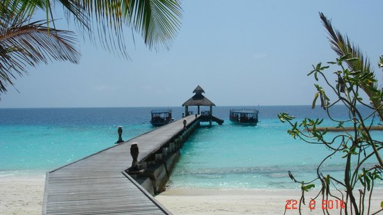 Reethi Beach Resort: Main jetty