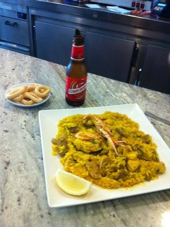 Cafeteria Cerveceria El 37 : Paella, simply amazing!