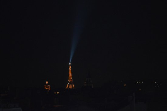 Holiday Inn Paris - Notre Dame: View from room 708