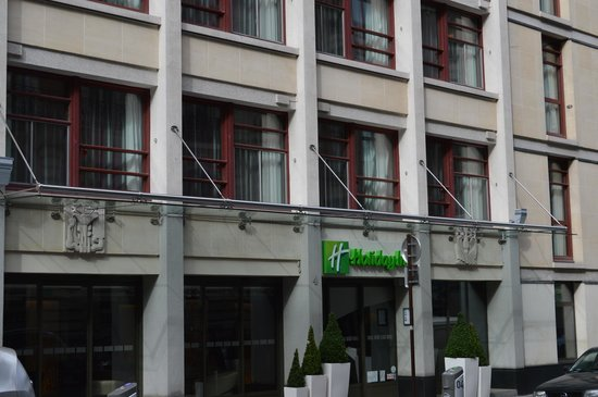 Holiday Inn Paris - Notre Dame: Entrance