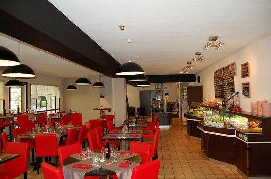 Logis Hôtel Le Grill : Restaurant of the Comfort Hotel Lons le Saunier