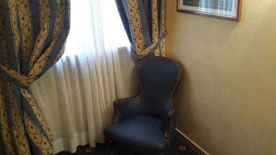 Hotel Napoleon: Quarto