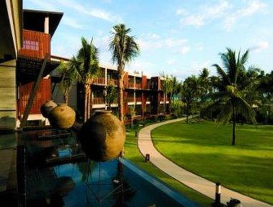 Ramada Khao Lak Resort : Hotel Exterior