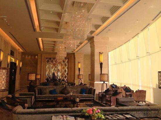 Grande Centre Point Terminal 21: salon hôtel