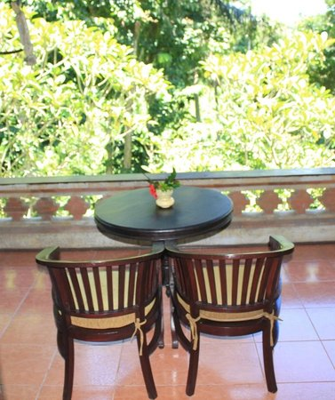 Hotel Tjampuhan & Spa: Patio