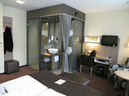 Boutique Hotel Stadthalle: Zimmer mit Nasszelle